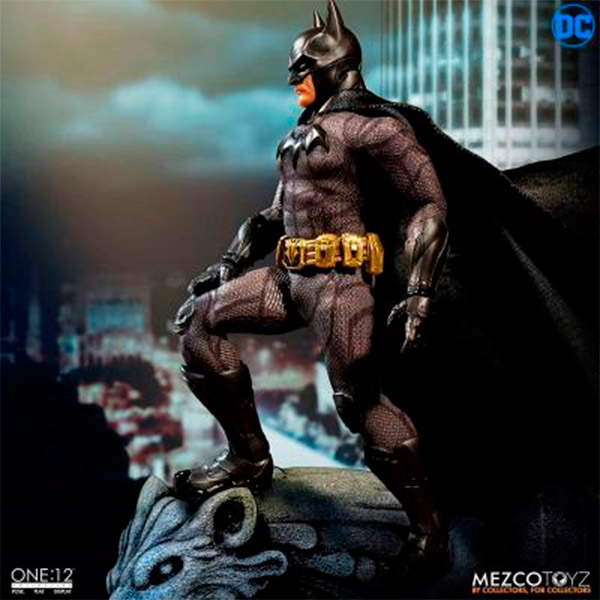 Figura Batman Sovereign Knight 15cm Mezco